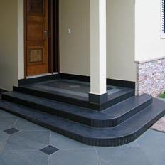 brazilian-black-outdoor-paving-slabs-3