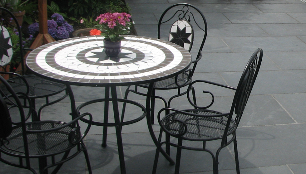 Create An Ultimate Indoor Outdoor Feel To Your Patio With Brazilistone Slate Flagstones